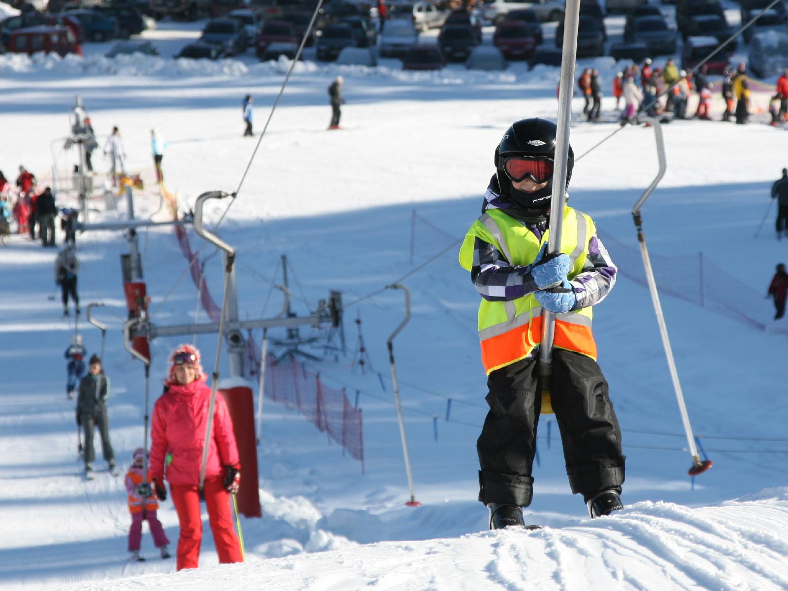 ski lift skiing snowboarding - photo #11
